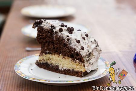 Vegan American Oreo Cake